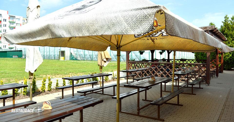 restaurace tenis Tábor